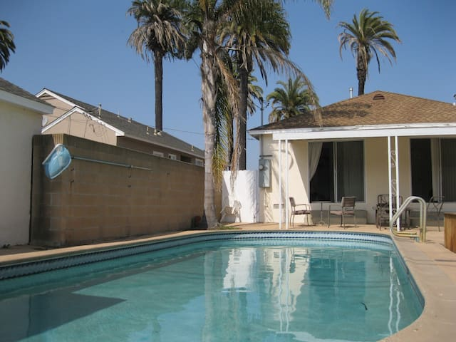 house, pool,3bdr,2bath;beach nearby