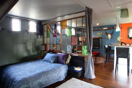 Stylish studio digs in NE Portland