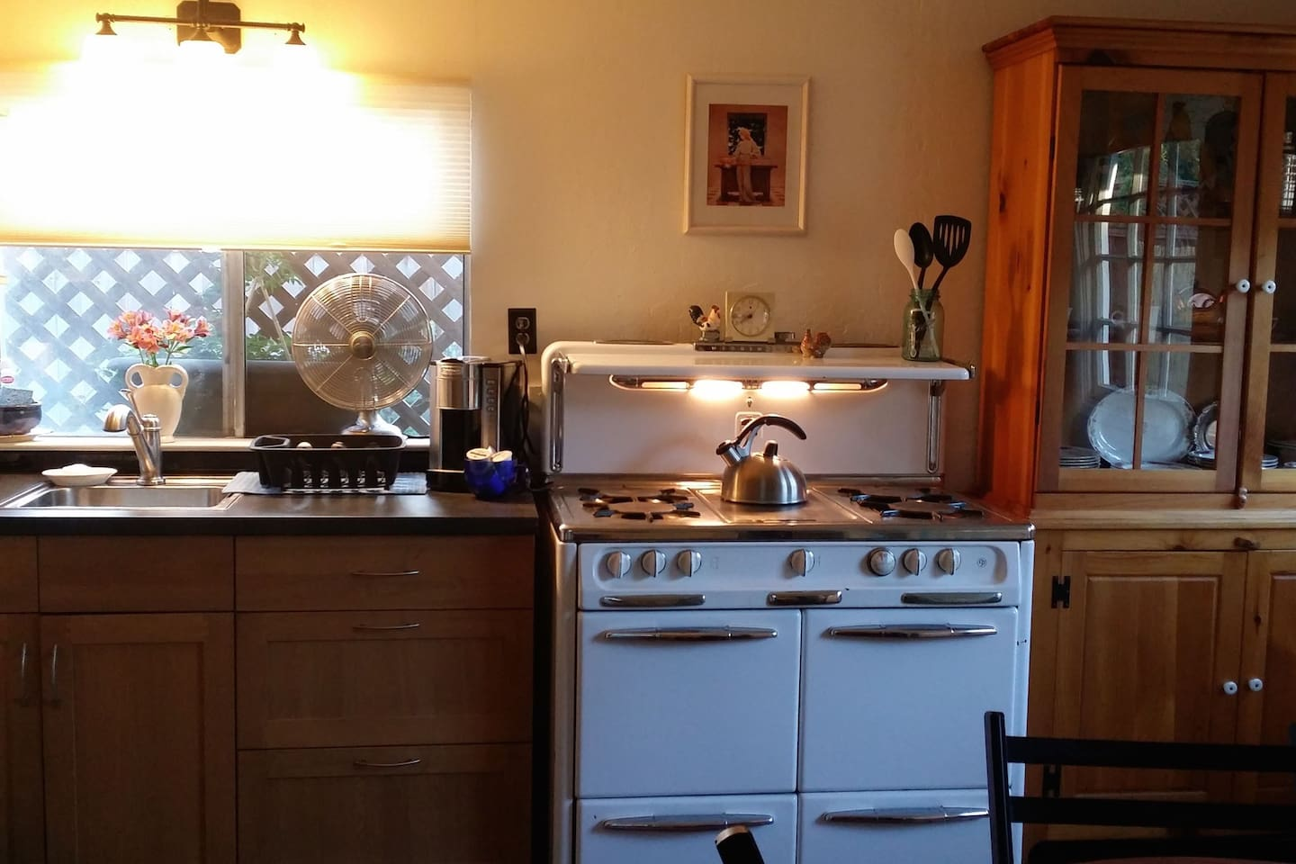 Full Kitchenette - the vintage Wedgewood Stove was my Mother's and the one that I grew up with!