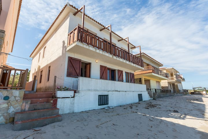 Directly on the beach!!! - Aglientu - Apartment