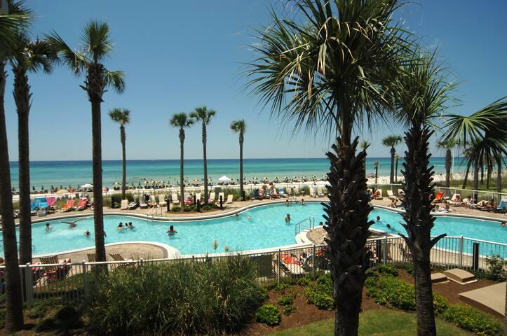 Luxury Beachfront! Gorgeous View. Pool/Hottub.Wifi