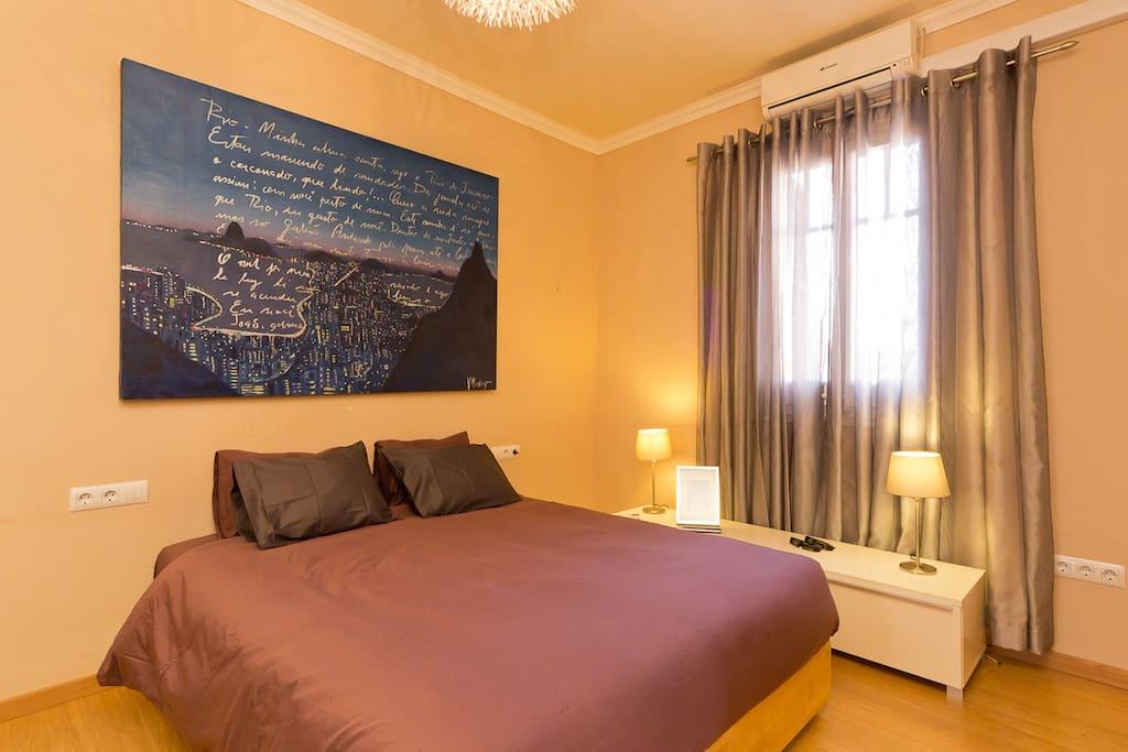 Bedroom / chambre à coucher / habitacion
