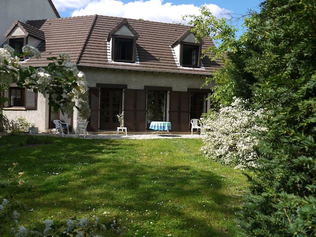 chambre avec jardin proche Paris