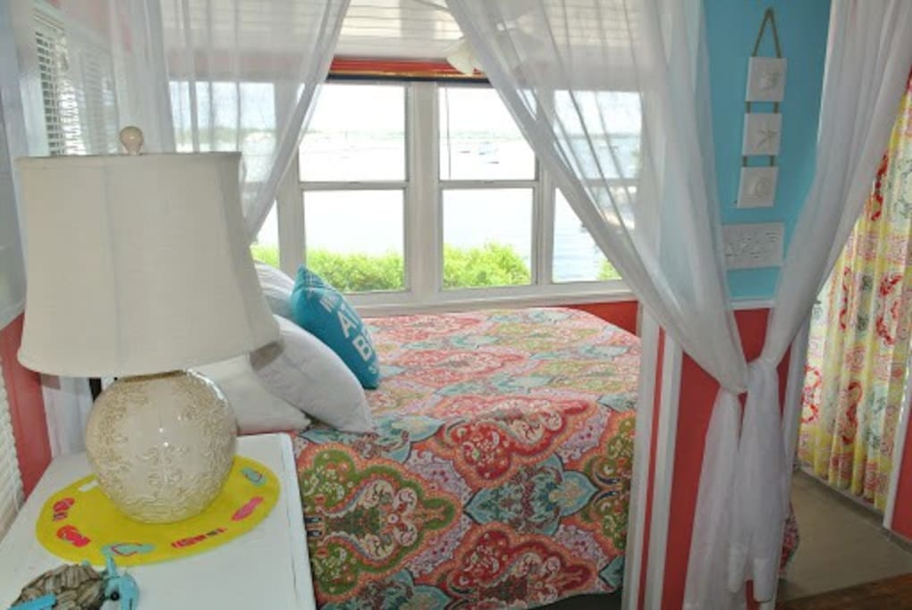 Wake up to the view of the beautiful Sarasota Bay!