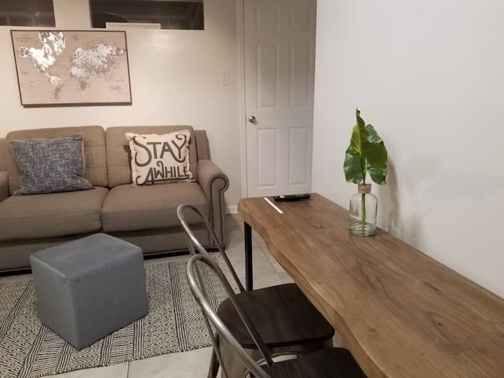 Cozy Apartment for Couples visiting/working in NYC