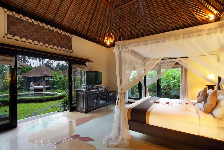 Villa Interior - Main Bedroom