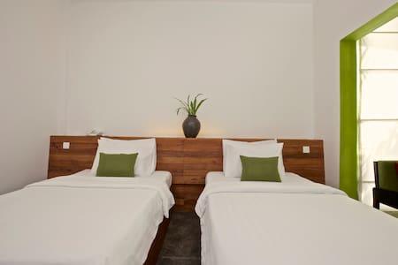Two Beds Near Old Market - Sonyn - Szoba reggelivel