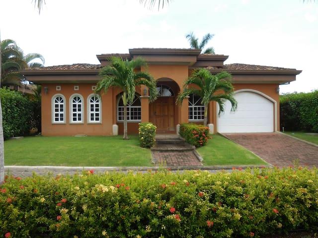 Casa Del Rey by Vacation Pura Vida