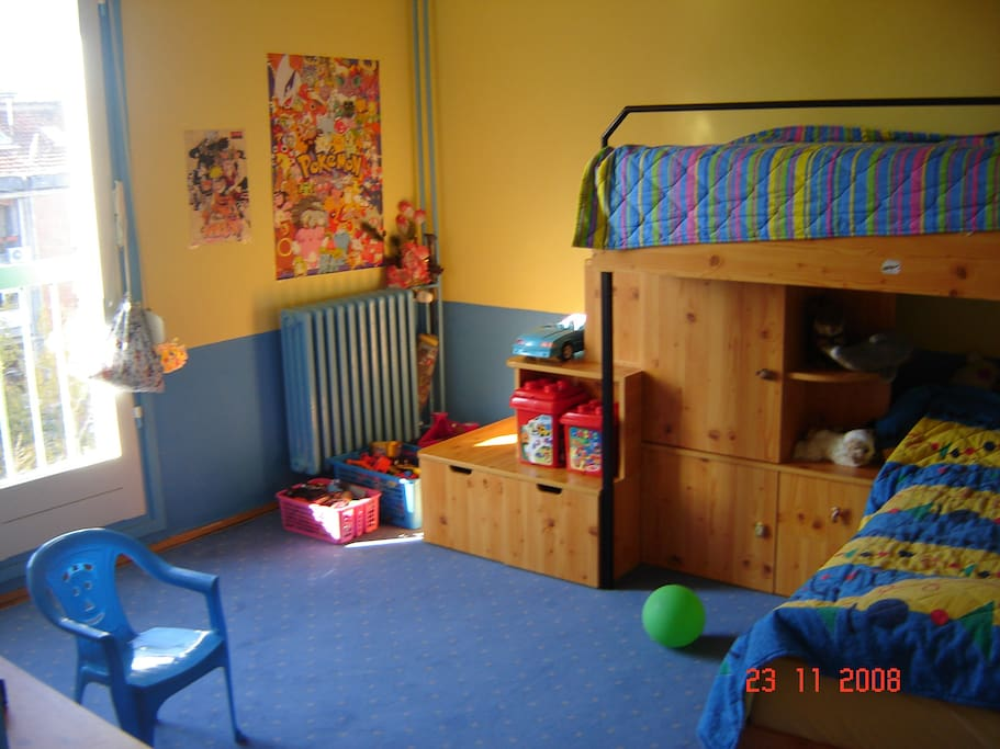 kids room, two single beds
