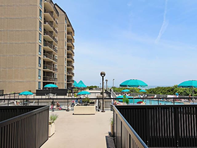 G109: 1st fl. 2BR+den Sea Colony Oceanfront condo | Private beach, pools, tennis