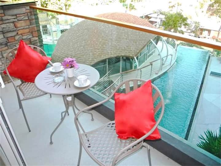 Pool View Apartment near Patong Beach