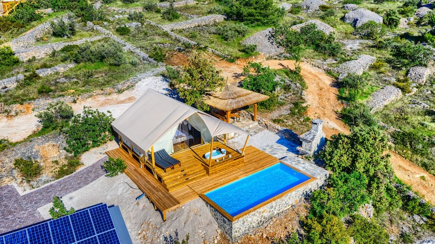 Luxury Glamping for 2 w/ private pool