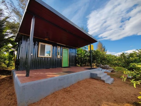 Premium shipping container house, kitchen attached with 24/7 hot water