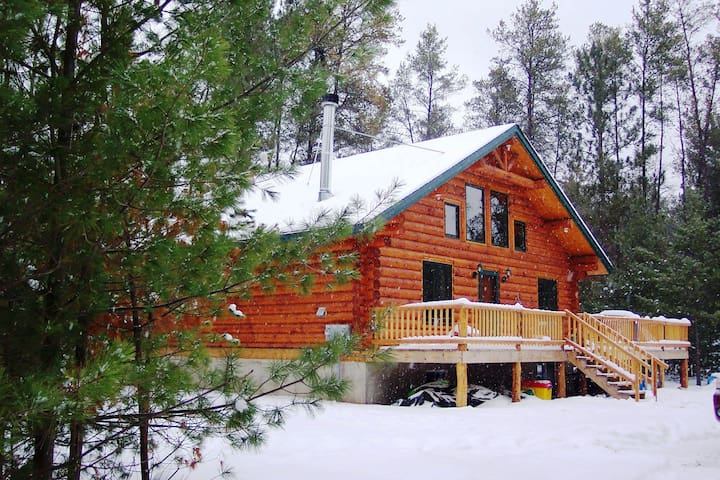 Unique Handmade Log Cabin Feel The Peace,Reconnect