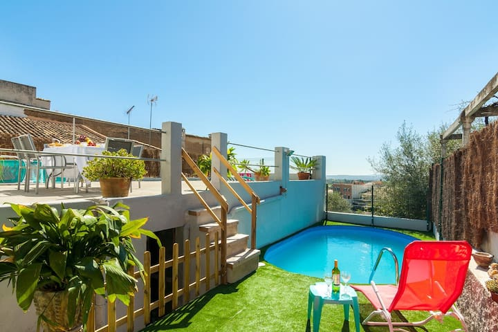 Town house with pool and spectacular views