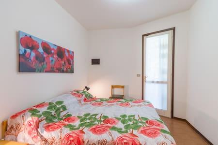 Tivoli: Villetta con due camere da letto in un villaggio con piscina