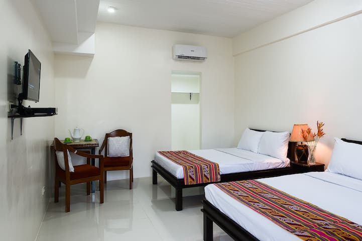 G&G Travellers inn Room 101