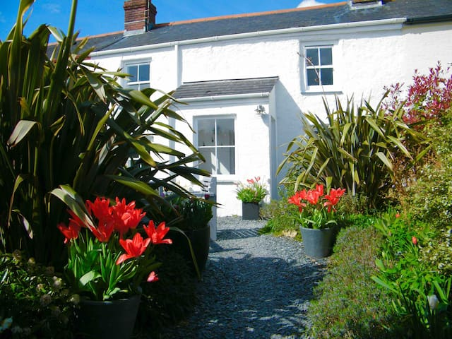 Self catering cottage near Truro
