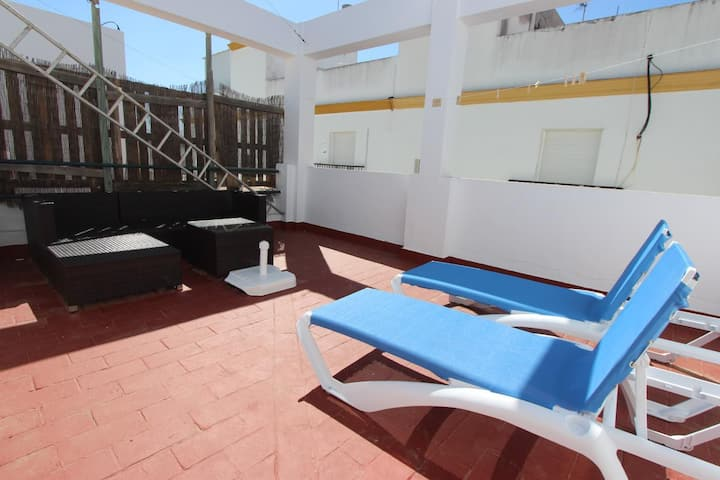 Casa El Patio - completely renovated townhouse close to the beach and the center of Conil