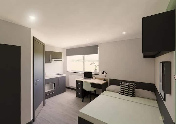 Student Only Property: Great Classic Studio