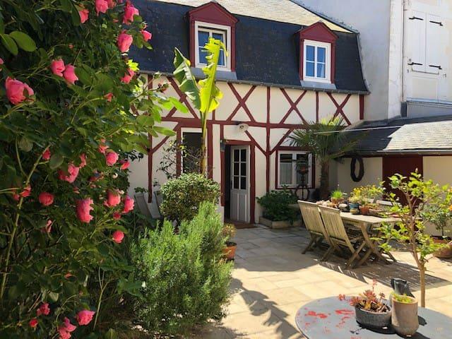 la petite maison de la Cerisée