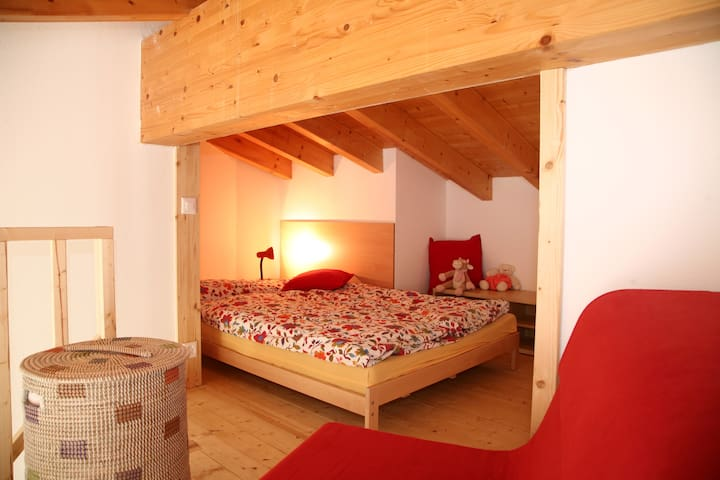 6 Beds Room Apartment, Private Bathroom