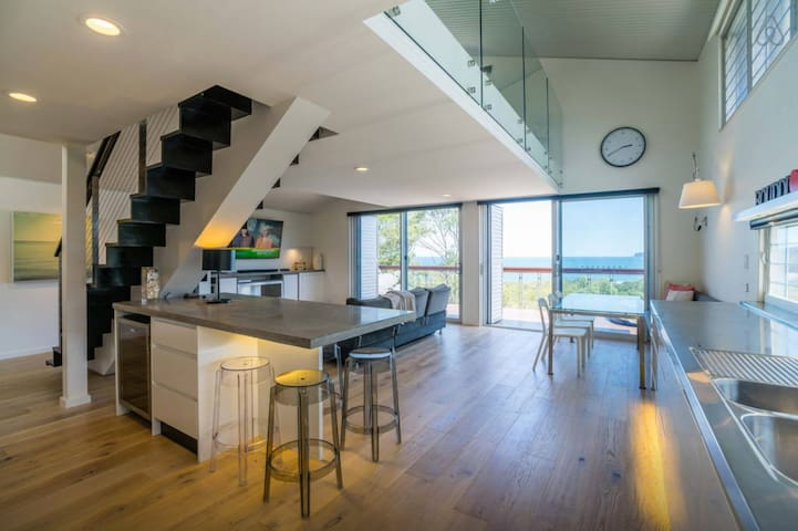 Bouddi Beach Loft - Killcare