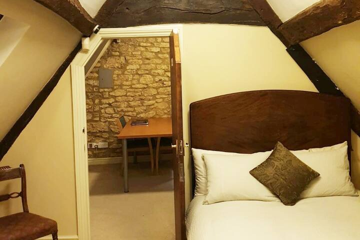 SERENITY SUITE - flat with shower and kitchenette