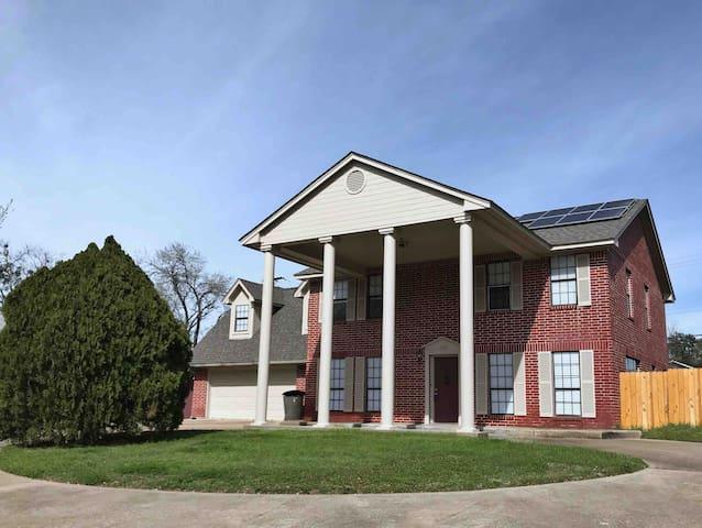 Beautiful Spacious Home in BCS Rm 202