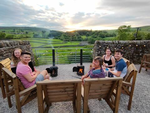 Howgill caravans-Fell View- Yorkshire Dales lodge