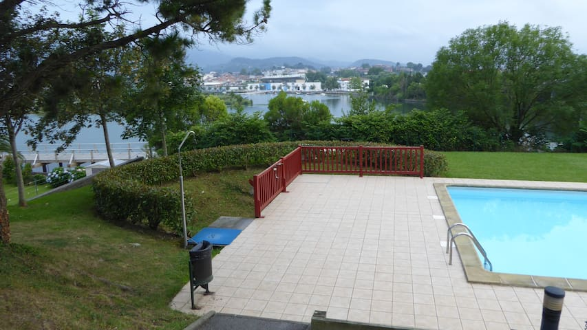 Charmant T2 proche frontière.PISCINE. Wifi.Parking - Hendaye - Apartment