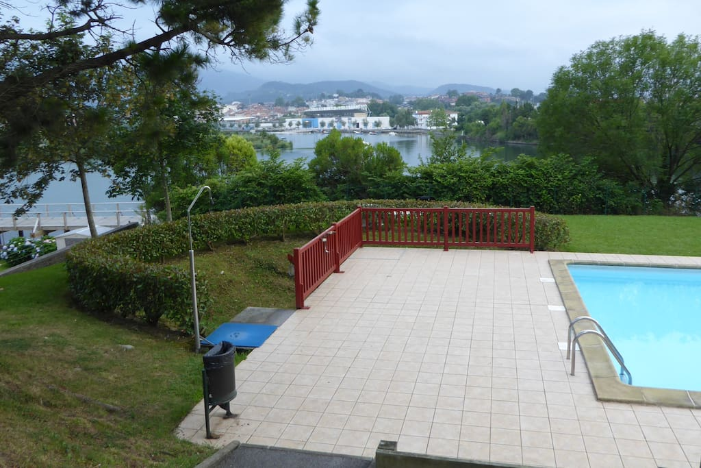Charmant t2 proche fronti re piscine wifi parking for Piscine hendaye