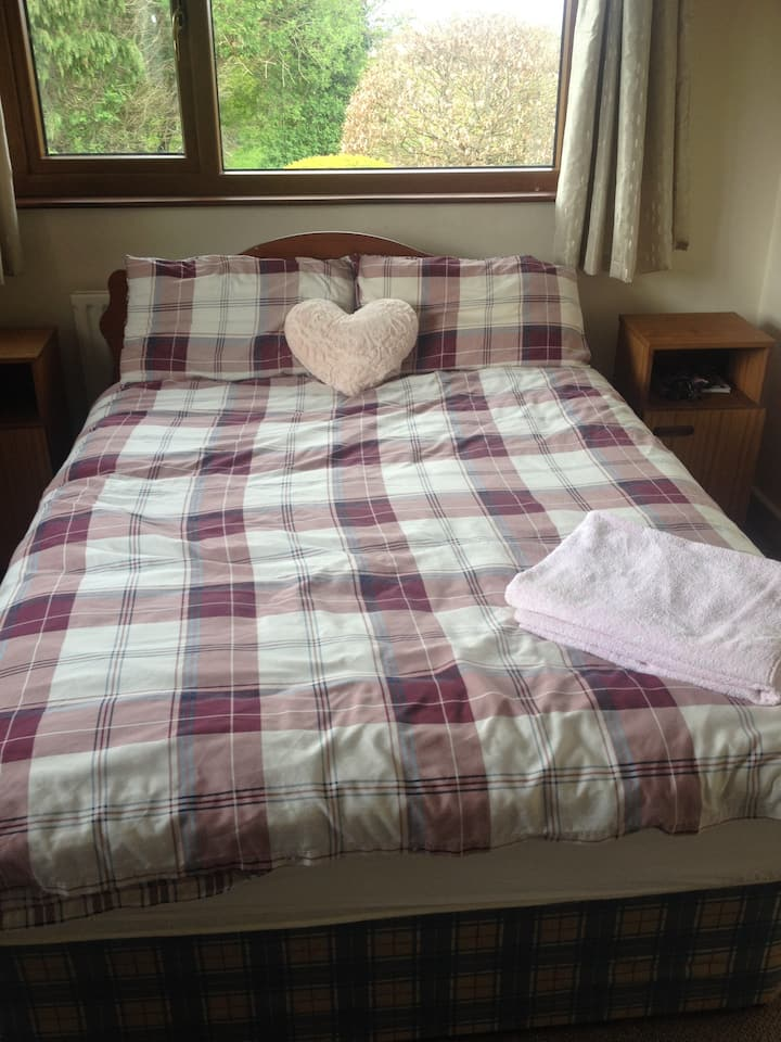 Mountain view, double room, close to all amenities