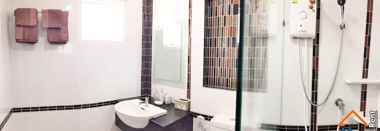 Condo Penthouse,free Wi Fi, clean, 84 sq.m