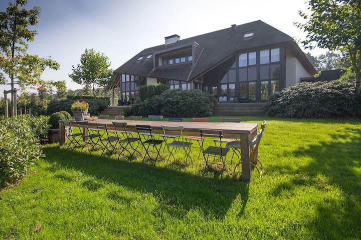 Modern B&B on private estate! - Achterveld - Bed & Breakfast