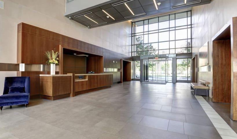 Luxury Apartment at Pentagon City -457