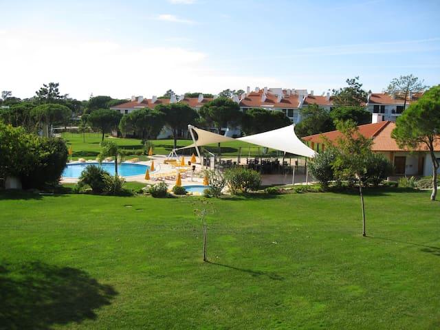luxurious 2 Bedroom Apartment @ 5* Vila Sol Resort