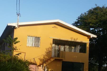 Orange Blossoms - Mandeville - Casa