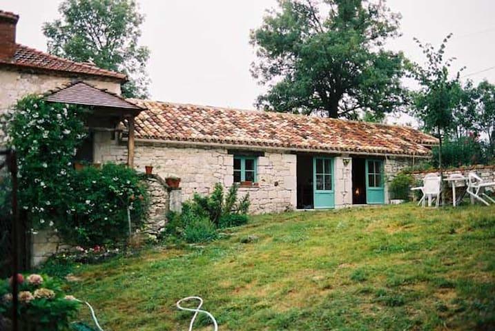 Maison typique Quercynoise avec piscine privée - Carnac-Rouffiac - Huis