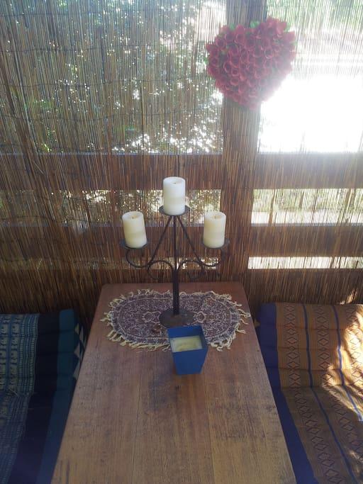 verandah/salon