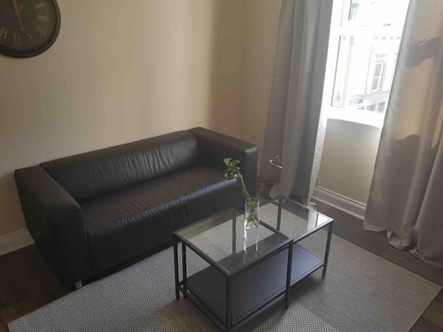 one double room in a lovely 2 bed flat