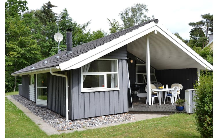 Holiday cottage with 3 bedrooms on 82 m² in Vejby