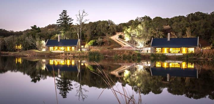 Lavish Bush Villa on Dam in Game Reserve