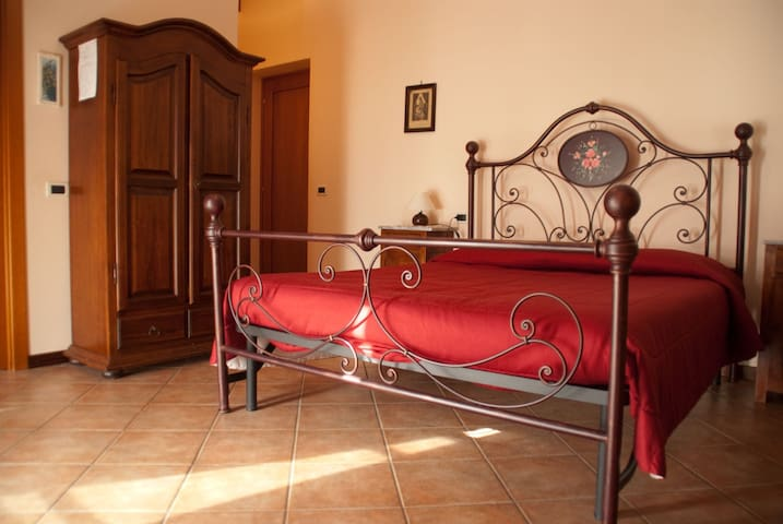 In the earth of Tuscany. - Montale - Bed & Breakfast