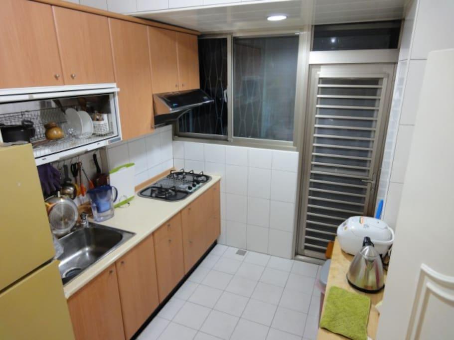 廚房設備齊全