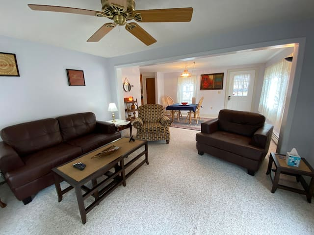 Two Floor, Country Apartment Near Concord, NH
