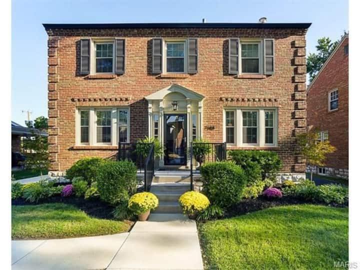 Beautiful 3 Bedroom Home - Best Neighborhood