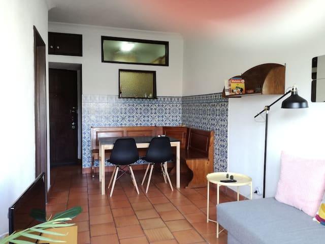 Tiles House-Metro Marquês/20 min walk to Center