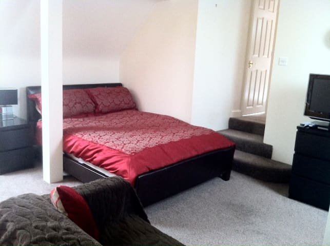 Large 1 bed apartment
