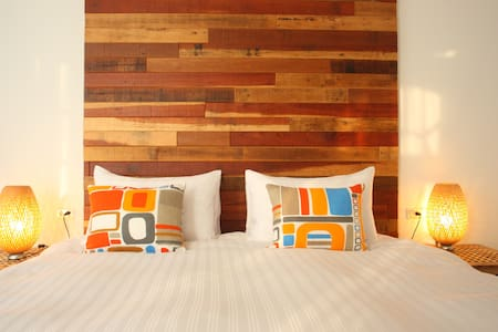 Spoondrift Hostel 浪花旅店 2F景觀雙人 203 - Hengchun Township - Bed & Breakfast